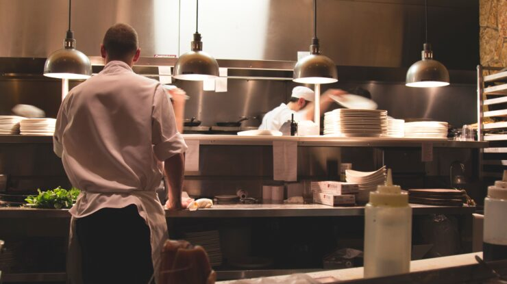 3 Reasons Catering & Hospitality Is Still Suffering After The Latest Covid Unlocking – Where Have All The Staff Gone?